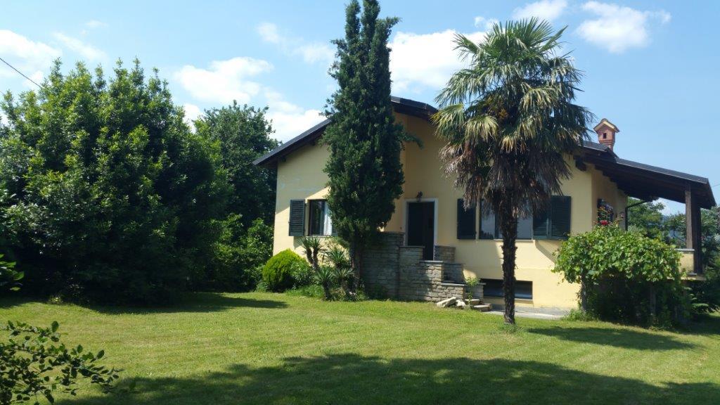 Frossasco villa completamente ristrutturata con mq. 2100 di terreno