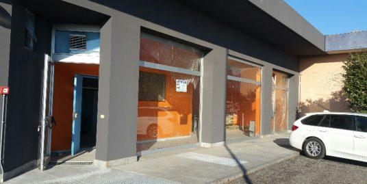 PINEROLO, Abbadia Alpina, locale commerciale di mq. 210 circa